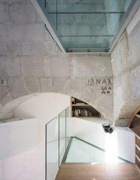 Balustrada szklana wewnętrzna bez poręczy